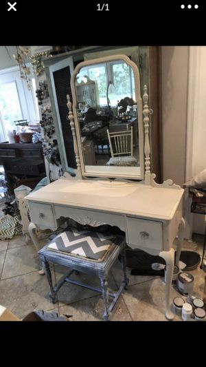 Vanity for Sale in Clayton, NC