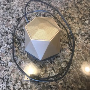 Gold jewel Audio Speaker With Bluetooth for Sale in Las Vegas, NV