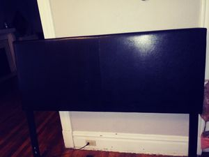 Queen size head board and bottom bed piece for Sale in St. Louis, MO