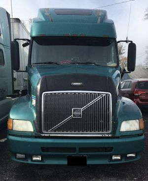 Semi Truck 2001 Volvo VNL for Sale in Troy, MI