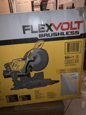 """Brand new 12"""" sliding dewalt flexvolt miter saw with power pack ( no)batteries model for Sale in Plant City, FL"""