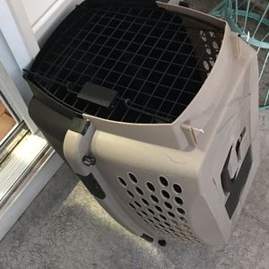 Dog Small Dog Carry Crate for Sale in Upper Marlboro, MD