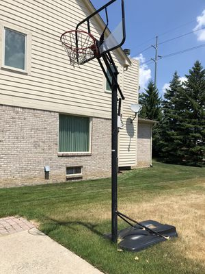 Basketball hoop for Sale in Troy, MI