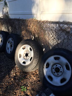 4 RIM WITH TIRE SIZE P235/70-17 for Sale in Tampa, FL