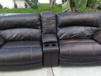 Powered Recliner Couch for Sale in Fort Lauderdale,  FL