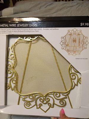 Metal wire jewerly easel for Sale in Smyrna, TN