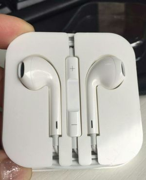 Headphone Remote &Mic For Apple iPhone 4/4S /5/5C /5S /6/6 PLUS /6S /6S PLUS Samsung Galaxy /Lg Universal for Sale in Attleboro, MA