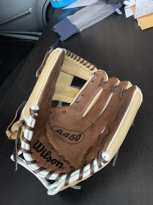 Wilson A450 youth Baseball Glove for Sale in El Cajon, CA