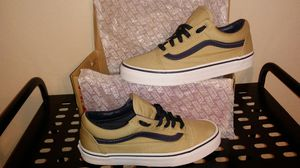 *BRAND NEW* Vans *IN THE BOX* for Sale in Houston, TX