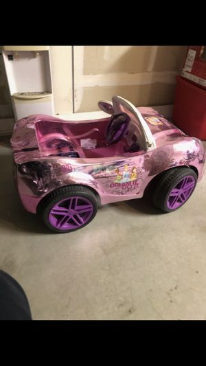 Free Princess electric car Pick up only for Sale in Fresno, CA