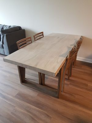 Dining room table with 4 chairs for Sale in Morris Plains, NJ