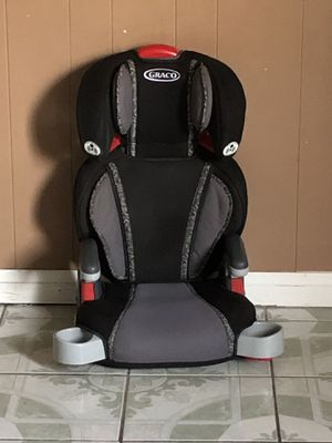 GRACO BOOSTER SEAT WITH TWO CUP HOLDER for Sale in Riverside, CA