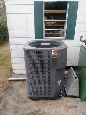 Air temp heatpump 4 ton for Sale in Richmond, VA