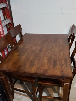 4 Seat Counter Height Dining Table for Sale in Hillsboro,  OR