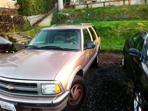 96 Chevy Blazer beautiful inside and out but motor makes weird knocking sound but runs perfect and drives perfect for Sale in Port Orchard, WA