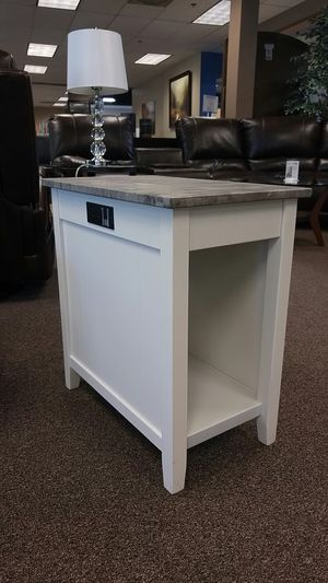 GREAT END TABLE W/ PWR AND USB OUTLETS for Sale in Portland, OR