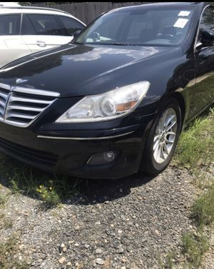 Bad engine 2009 Hyundai Genesis for parts for Sale in Kannapolis, NC