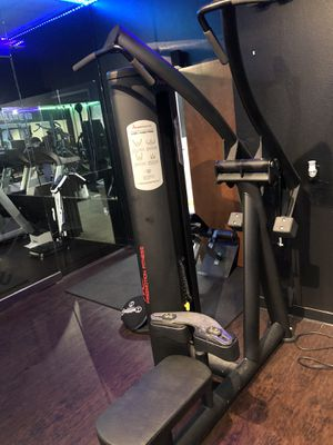 FREEMOTION EPIC LAT HIGH ROW MACHINE GYM FITNESS for Sale in Dallas, TX