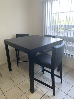 Counter height dining table with 3 chairs for Sale in Hollywood, FL