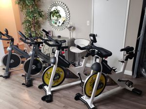 SPINNING BIKE / EXERCISE BIKE 🚴‍♀️🚴‍♂️ NEW AND ASSEMBLED - PLEASE READ FOR PRICES for Sale in Los Angeles, CA