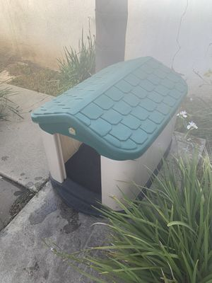 Pet Zone Dog House Large for Sale in Whittier, CA