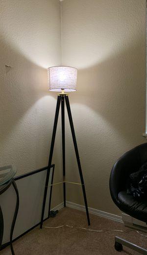 Tripod lamp for Sale in Kent, WA