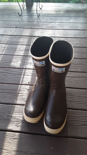 12 inch fishing boots for Sale in Prineville, OR
