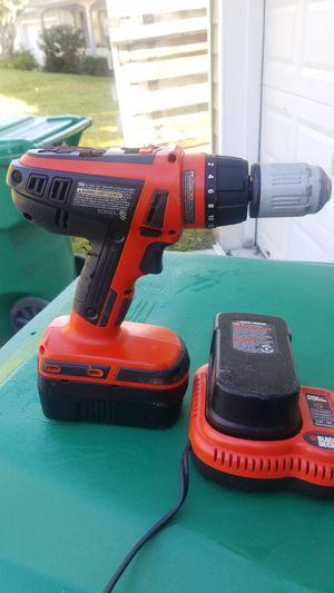 Black and Decker 12v cordless drill for Sale in Miami, FL