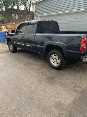 2006 Chevy Silverado 1500 4x4 for Sale in Chicago, IL