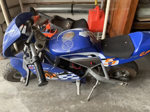 Razor 24 Volt Pocket Rocket mini motorcycle for Sale in Long Beach, CA