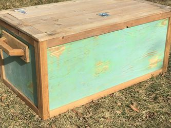 Large Coffee Table Trunk for Sale in Columbus,  OH