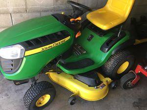 John Deere D140 Tractor With John Deere Snow Plow for Sale in Aliquippa, PA