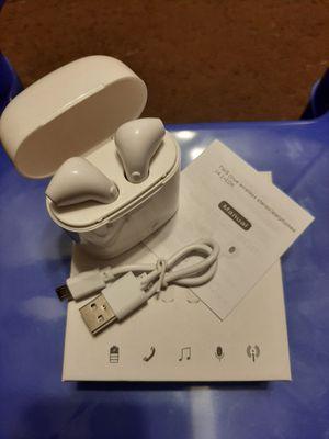 Wireless Bluetooth headphones for Sale in Tupelo, MS