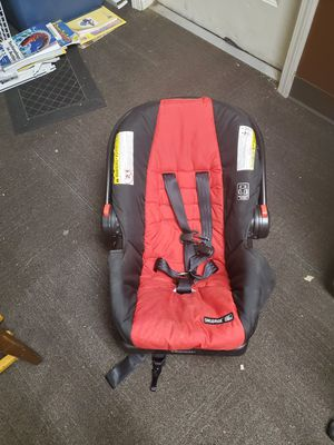 Newborn car seat with matching stroller for Sale in Coweta, OK