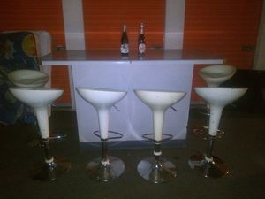 Barra con 6 banc $150 for Sale in Phoenix, AZ