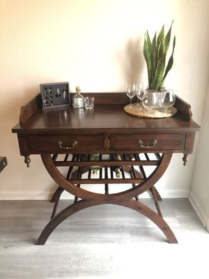 Beautiful Wine 🍷 Console !! for Sale in Reedley, CA