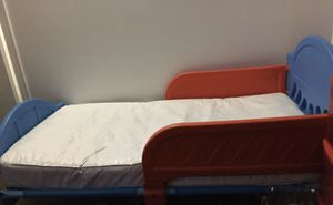 I'm selling the bed frame and the bed it's like new for Sale in Hazleton, PA