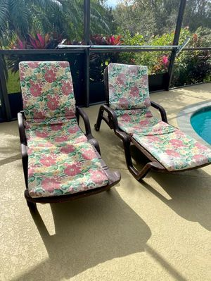 Solid folding patio chair with headrest and three adjustable reclining positions, $25 EACH for Sale in Apollo Beach, FL