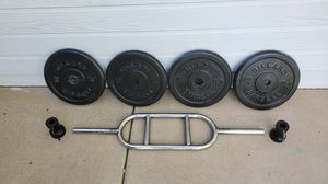 tricep bar with 100 lbs of weight for Sale in Chandler, AZ