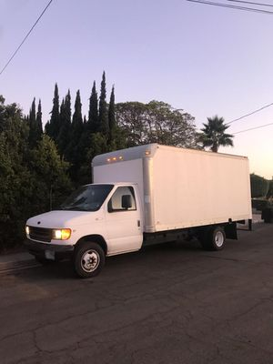 98 ford e350 box truck automatic. No oil leaks . Used for swap meet business. New heavy duty tires. 14ft /4 seater for Sale in San Diego, CA