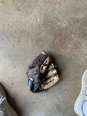 Youth baseball glove for Sale in Commack, NY