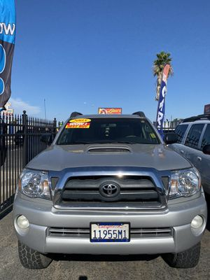 Toyota Tacoma year 2005 tile clean for Sale in Merced, CA