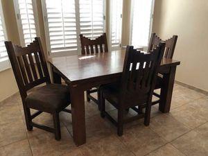 No low Ballard's.. kitchen table for Sale in Phoenix, AZ