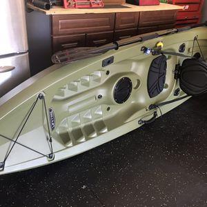 2020 Lifetime Kayak Angler 10' for Sale in Apopka, FL
