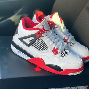 Jordan 4 Fire Red Size 6Y for Sale in San Bernardino, CA