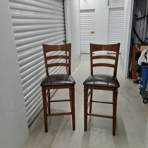 Tall Table Or Bar Chairs for Sale in Milwaukie, OR