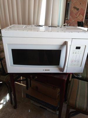 Samsung microwave for Sale in Saint Petersburg, FL
