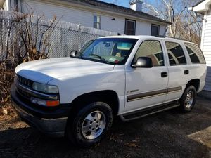 Chevy tahoe 2400neg for Sale in Medford, NY