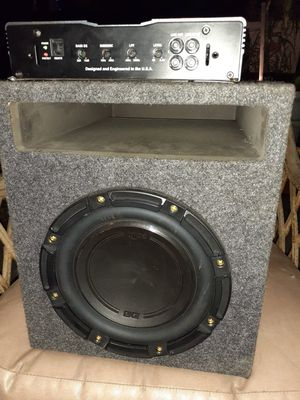 Amp and box for Sale in Fresno, CA