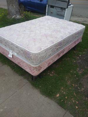 Full size bed for Sale in San Bernardino, CA